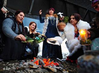 Румынским ведьмам придется отвечать за гадания, которые не сбываются