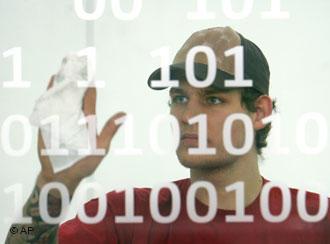 CeBIT 2011 - высокотехнологичные компании уже забыли о кризисе