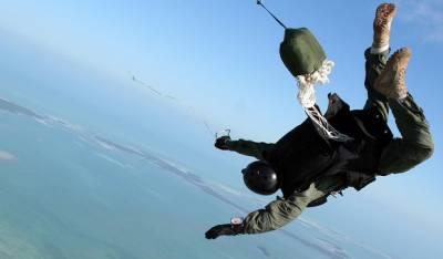 iPhone 4 прыгнул без парашюта