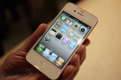 Подтверждён скорый выход белого iPhone 4