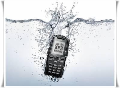 Как спасти утопленный телефон