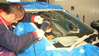 Как самостоятельно выполнить полировку стекла у автомобиля?