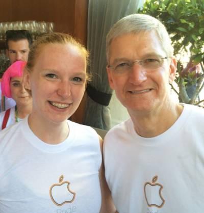 Apple избавилась от работника выступившего против однополых браков